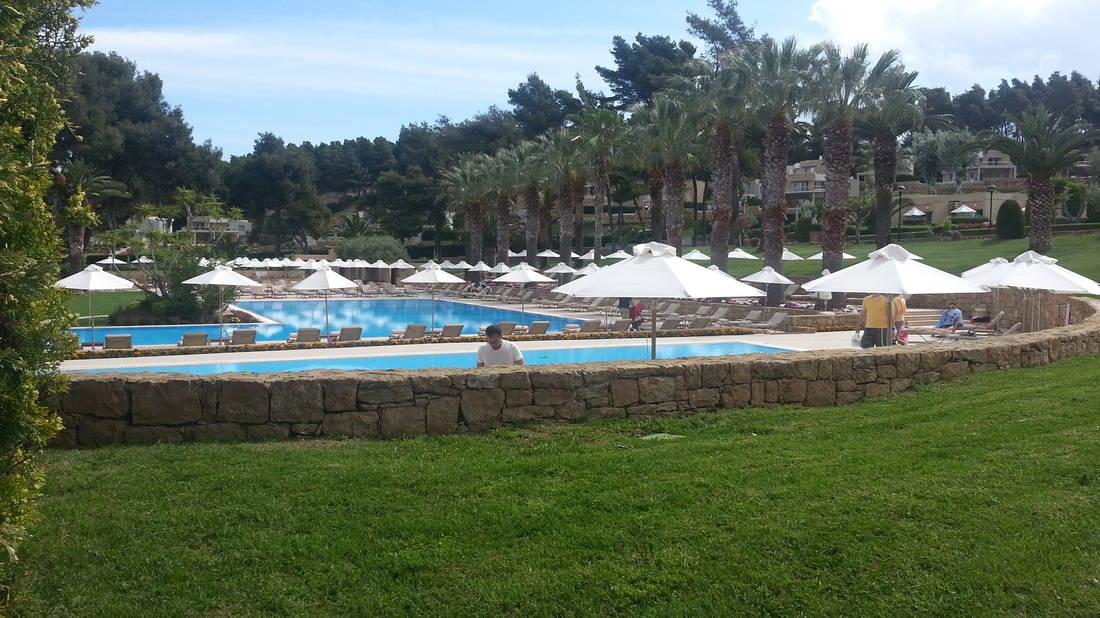 Sani Beach Club & our Muslim friendly holiday