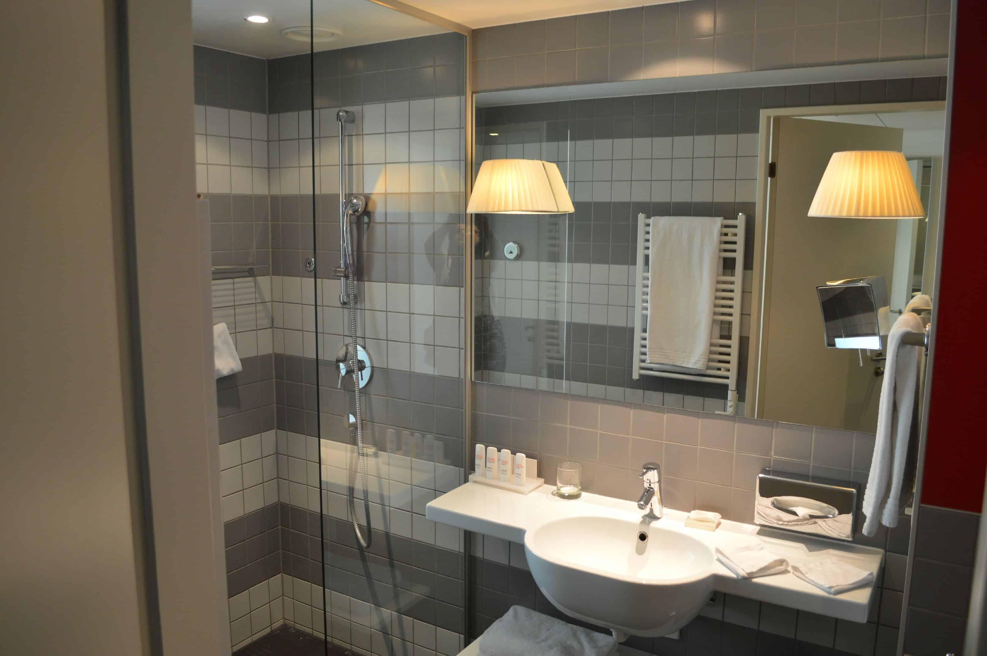 Radisson Blu Zurich Airport Hotel Review