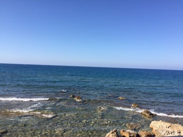 creteReader Story: Exploring Crete and Santorini as Muslim Women Travelling Alone