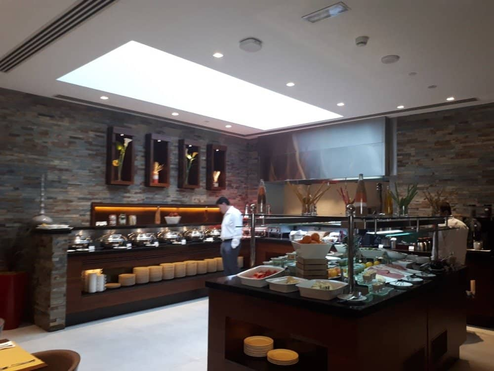 Hote Review Hilton Garden Inn Dubai Al Muraqabat Great Budget Option In Dubai Muslimtravelgirl