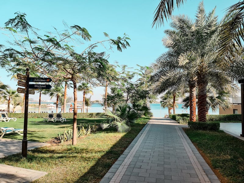 Hotel Review: Doubletree Hotel Ras Al Khaimah -walking towards the beach